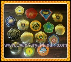 Medali Kalung Wisuda Lencana Wisuda CV.OvanKaryaMandiri di Malang