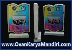 vandel marmer bentuk buku, plakat kuningan Cv.OvanKaryaMandirii-percetakan-Advertising di Malang