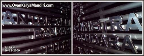 Huruf-Timbul-Stainless Pemasangan-di-BANDARAJUANDA.KANTORADMINISTRASI.product-OvankaryaMandiri.Adv-di-malang