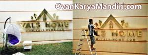 Letter Huruf timbul kuningan Tampak depan. CV.OvanKaryaMandiri-Percetakan-Advertising di Malang
